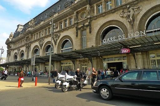 taxi moto gares de Paris